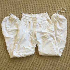 Lululemon White pants size 4